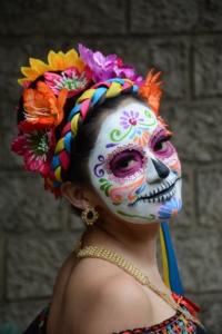 (Bild: Catrina, ein weibliches Skelett für das Día de los Muertos Fest by Pixabay)
