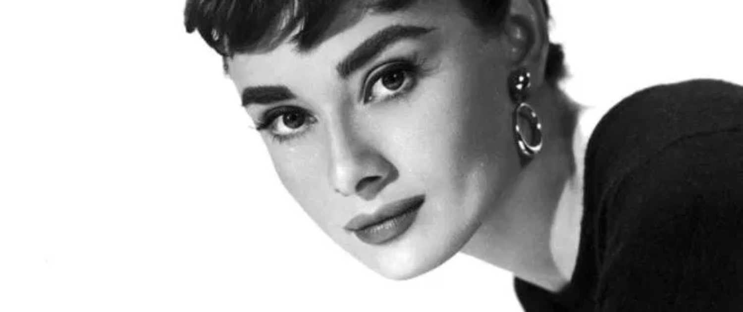 Quelle: http://www.teens.sublimemagazine.com/audrey-hepburn-influence-on-fashion-and-the-image-of-beauty/
