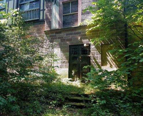 Eingang zur ehemaligen Sophienheilstätte Bad Berka (Foto: Ina Mecke).